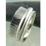 Sterling silver spinner ring by Alissa Zomer Jewellery